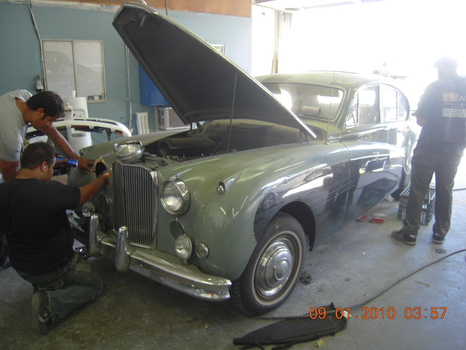 west-coast-body-and-paint-1956-jaguar-mkix-4