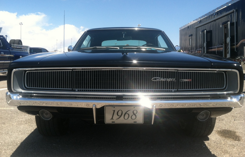 west-coast-body-and-paint-black-1968-charger-3