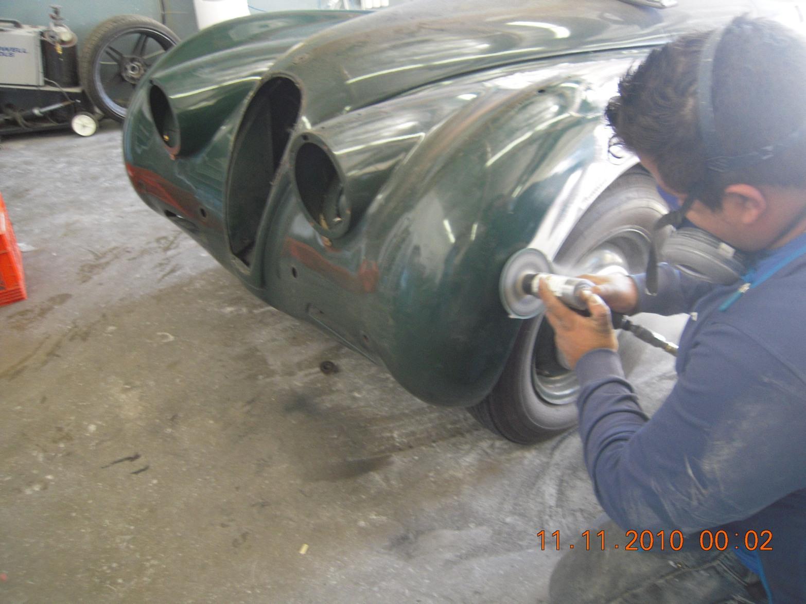 west-coast-body-and-paint-green-1950-jaguar-xk120-17