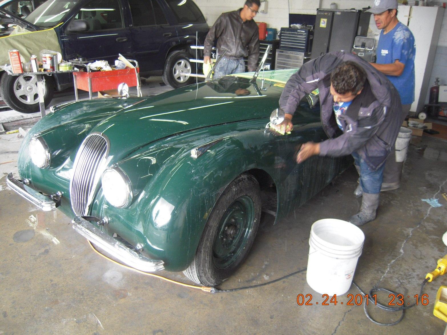 west-coast-body-and-paint-green-jaguar-xk120-26