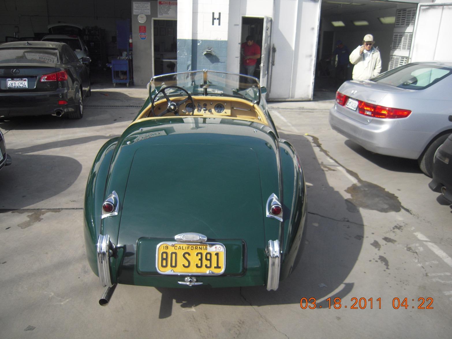 west-coast-body-and-paint-green-jaguar-xk120-38