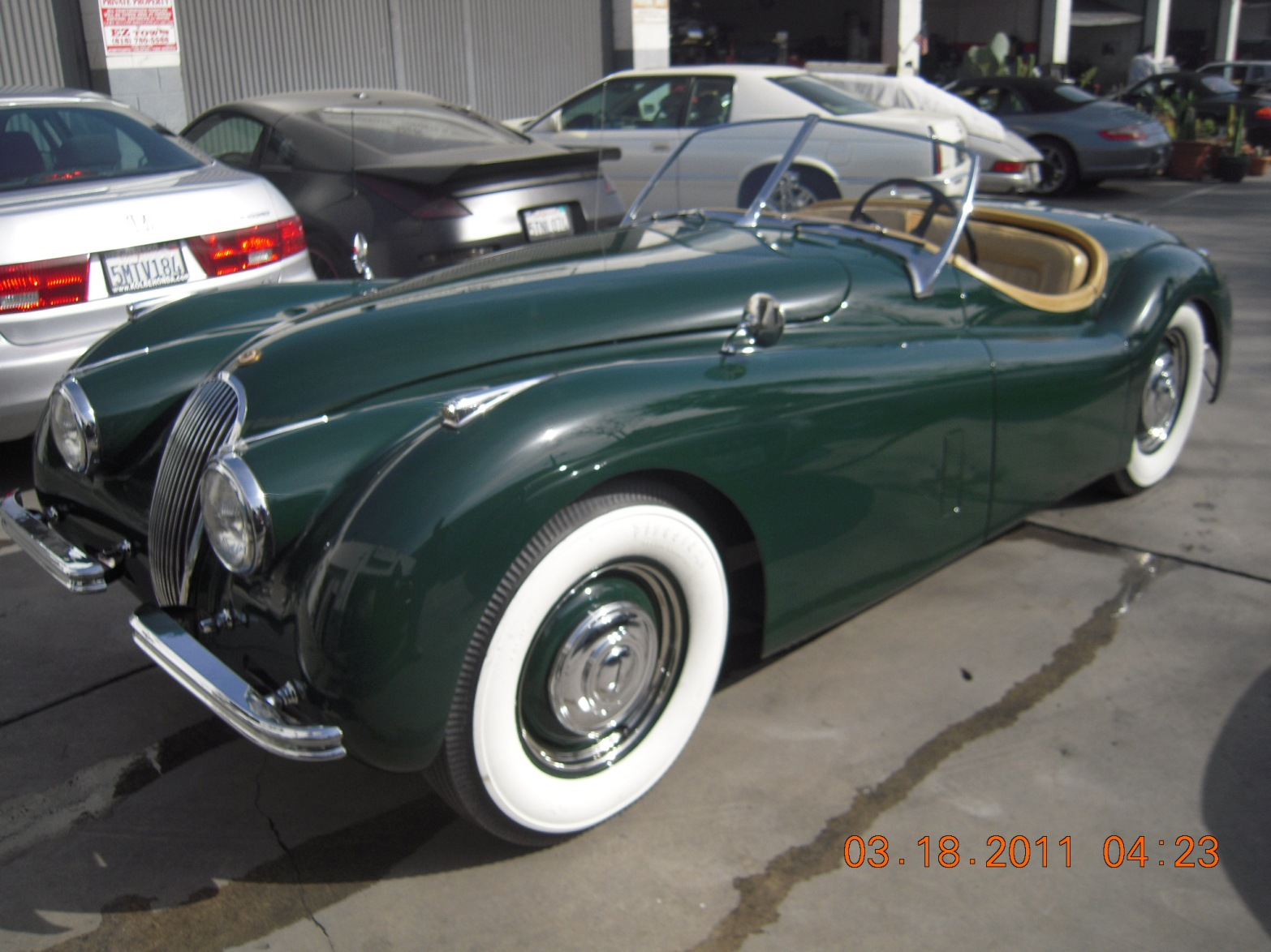 west-coast-body-and-paint-green-jaguar-xk120-42